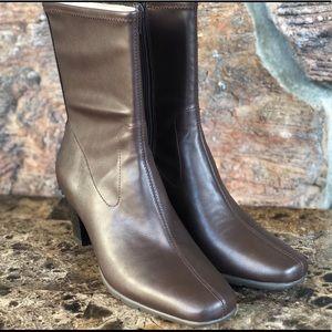 NEW  Aerosoles Cinnamon Boots